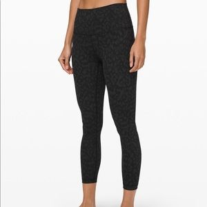 "Lululemon's Wunder Under HR tight 25"" leggings"